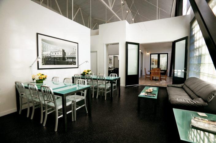 glass-lounge